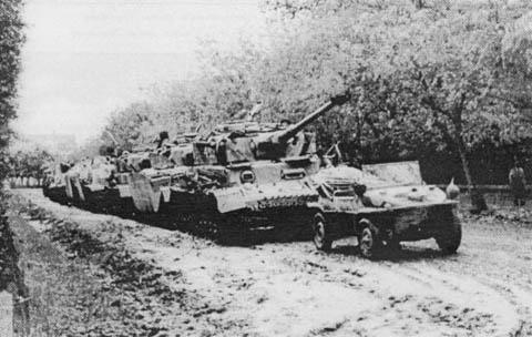 https://www.worldwar2.ro/images/content/coloana_tancuri_transilvania_l.jpg